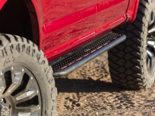 Toyota Tacoma Double Cab (2005-2019) Side Steps Dominator D2 Go Rhino