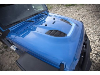 Jeep Wrangler JK Stingray Vented Hood Smittybilt